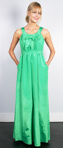 Thread green with bow