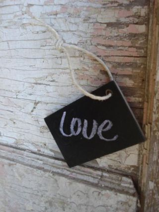Chalk board hang tag