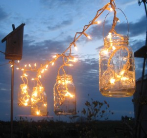 Vintage-inspired-wedding-lighting-string-300x282