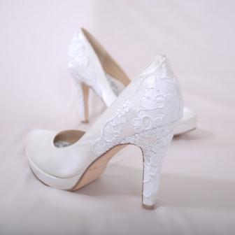 Hey lady heel, boy