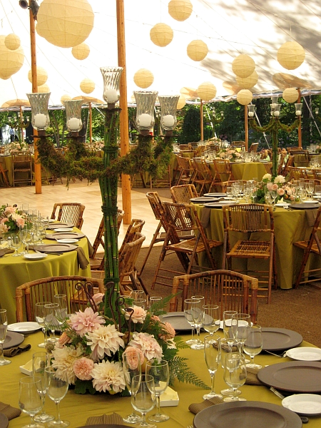 Rusticelegantwedding3 Add a rustic feel with your centerpieces and