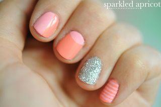 Sparkled apricot manicure