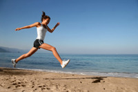 Woman_running_on_beach
