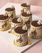 Monogram_mini_cakes_3